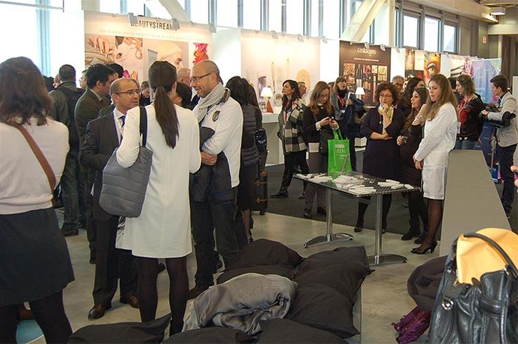 Mascara Factory all'interno di Cosmoprof 2015