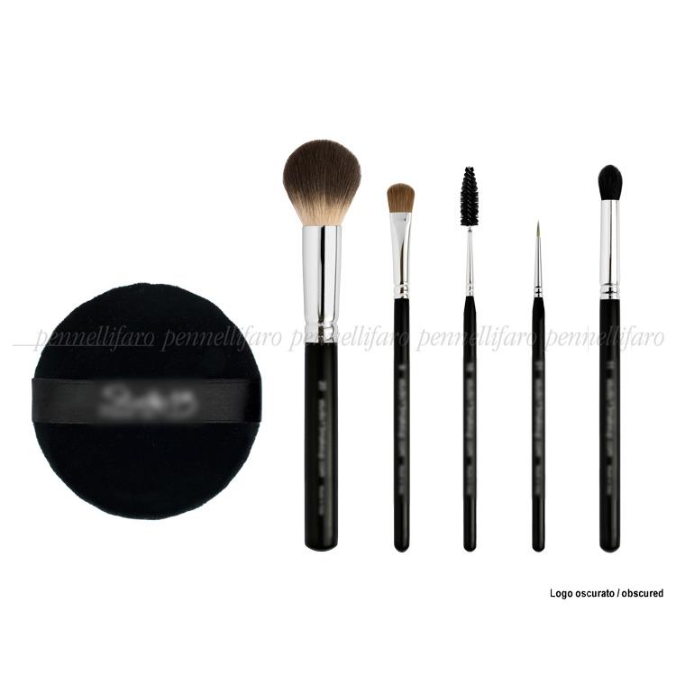 Line of brushes and accessories for an Italian school of movie makeup