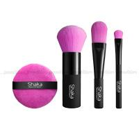 Pochette of pocket size brushes for the brand Shaka Innovative Beauty
